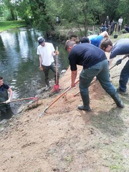 Restauration de la berge d'un cours d'eau par les BAC PRO GMNF